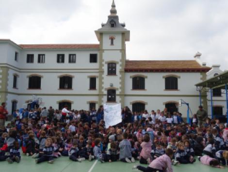 Galer as de im genes colegio sagrada familia el monte for Colegio sagrada familia malaga ciudad jardin